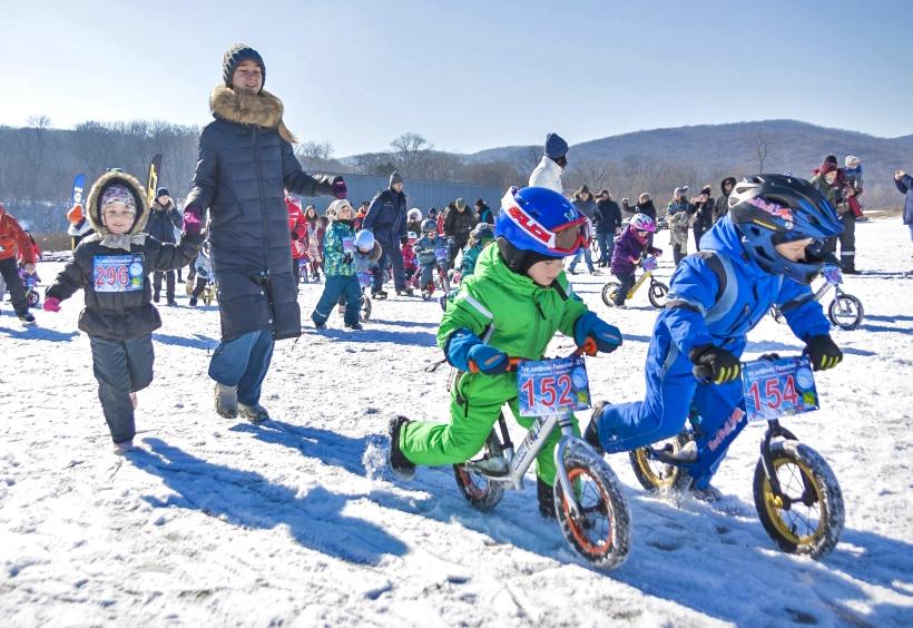 子供自転車部門の参加者たち