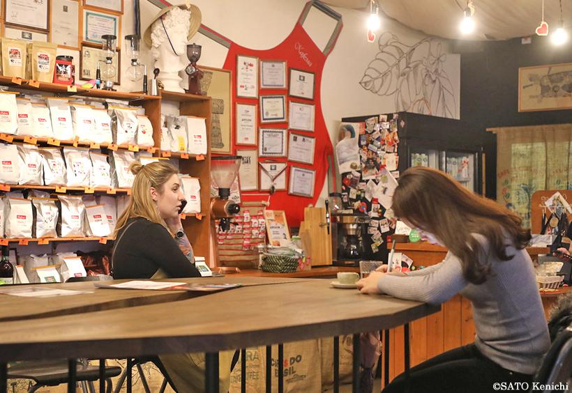 カフェマ店内2