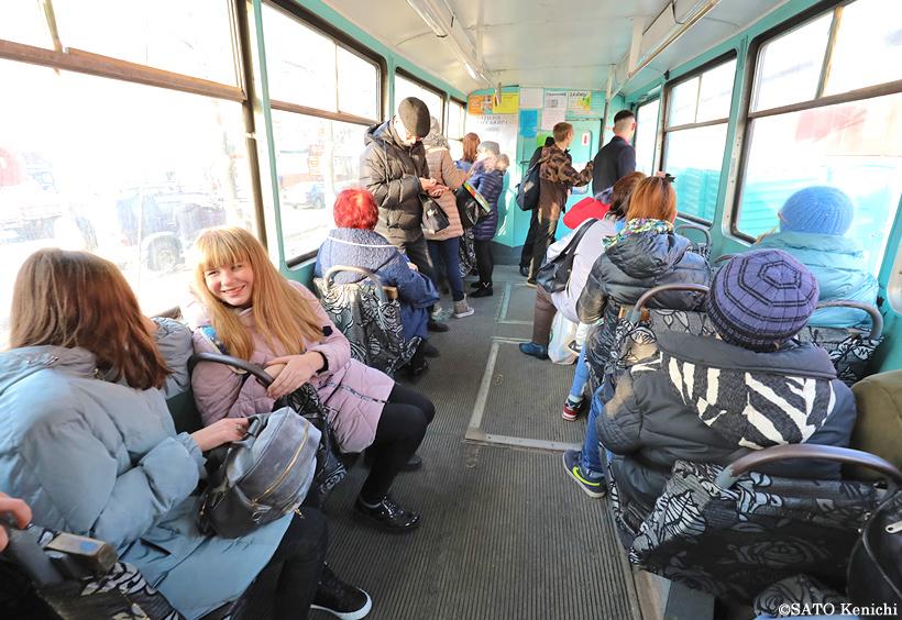 ウラジオストクを走る路面電車の車内