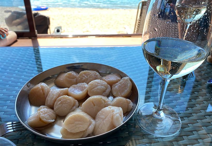 生ホタテと白ワイン