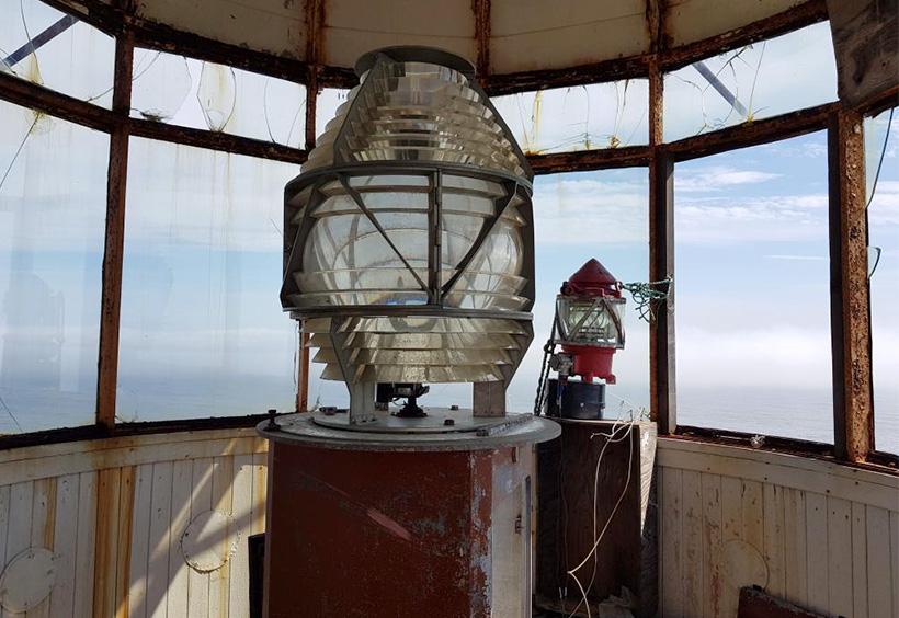 新しい灯台の中