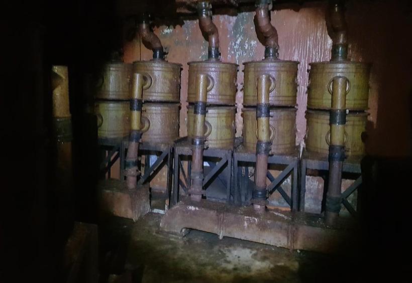 艦砲台の中写真1