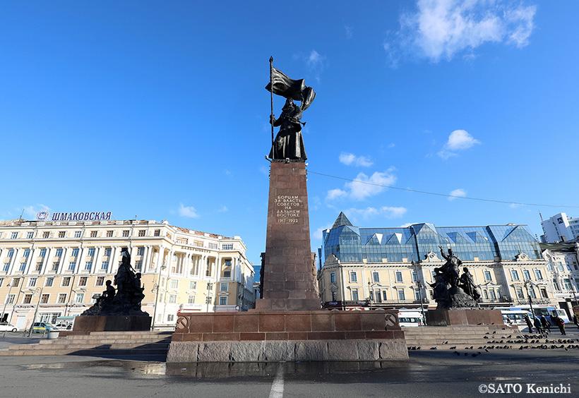 革命戦士広場