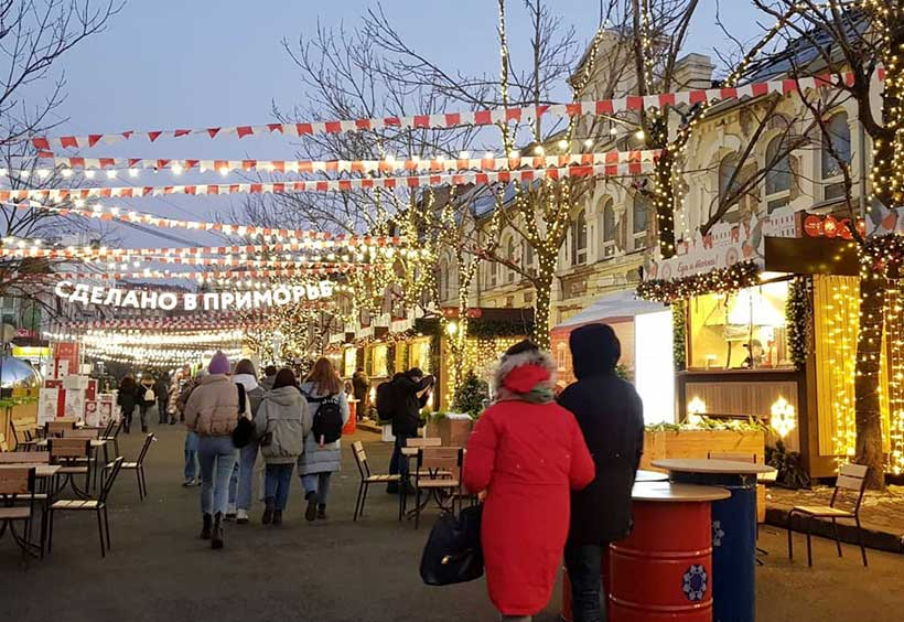 アドミラーラ・フォーキナ―通りの夜の様子