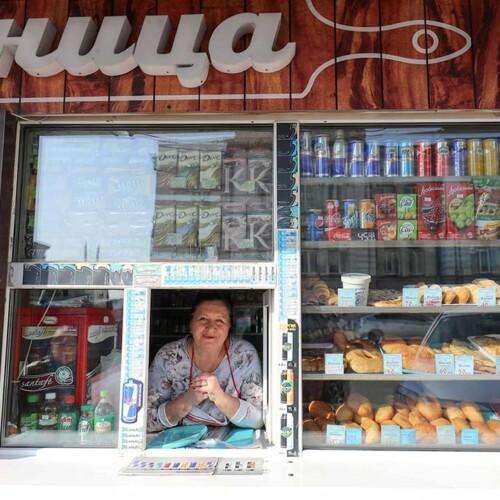 ピロシキ屋と店主エレナさん