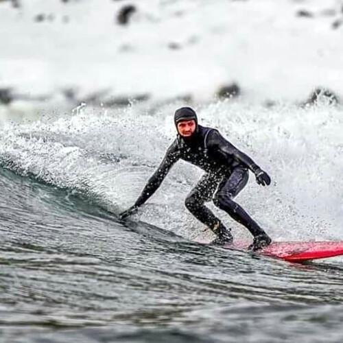 ウラジオストクで極寒サーフィン