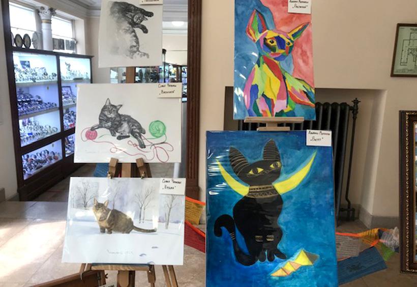 グム百貨店で展示販売されている猫の絵3