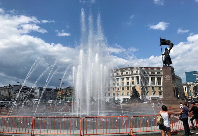 中央広場に誕生した新しい噴水